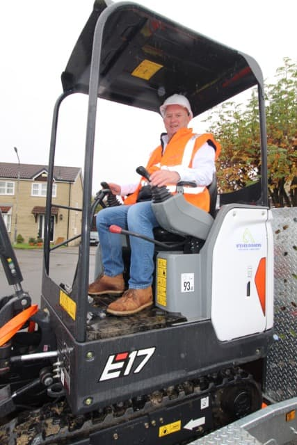 Mini digger hire Chesterfield